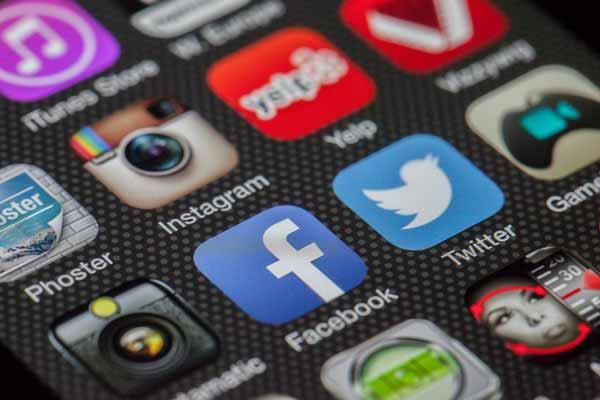 Социальные сети в 2021 году, бизнес и социальные сети в 2021 году, пандемия и социальные сети